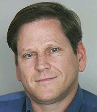 Phil Robertson, phó Giám đốc phụ trách châu Á của Tổ chức Theo dõi Nhân quyền.