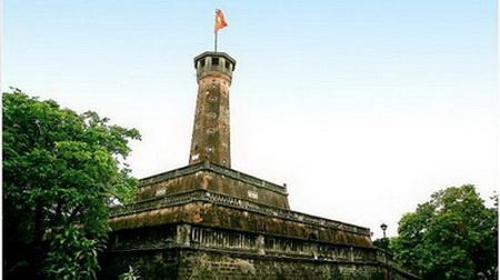 Cột cờ Hà Nội, ảnh được minh hoạ trong bài trên Quê choa Blog