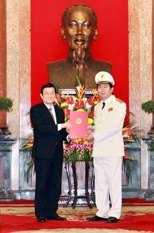 Bộ trưởng C. A Trần  Đại Quang được thăng tướng