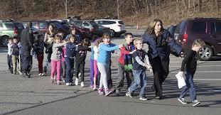 Trẻ em trường tiểu học Sandy Hook