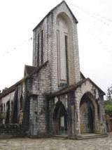 Một nhà thờ tại Việt Nam trong thập niên 60s. Ảnh culturalcatholic.com