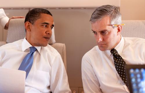 Ông Denis McDonough cùng TT Obama. Ảnh freerepublic.com
