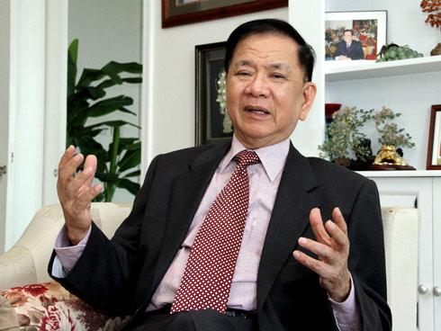 Nguyên Bộ trưởng Bộ Ngoại giao Việt Nam Nguyễn Dy Niên.