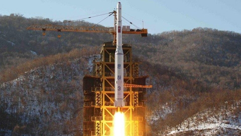 Tên lửa Unha-3 của Triều Tiên được xác nhận trên lý thuyết  tầm bắn xa tới trên 6.000km, có thể bắn tới Mỹ