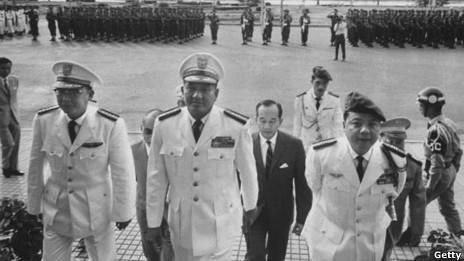 Việt Nam thời tam đầu chế: Trần thiện Khiêm, Dương văn Minh, Nguyễn Khánh