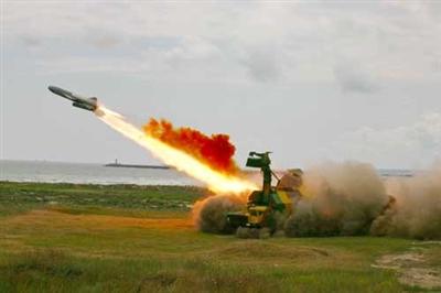 Hệ thống phòng thủ bờ biển 4K51 Rubezh khai hỏa tiêu diệt tàu chiến đối phương.