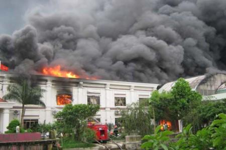 Đám cháy thiêu rụi nhiều tài sản tại Công ty may Hà Phong (Bắc Giang). Ảnh: website Chính phủ