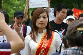 Trịnh Kim Tiến đến với đòi hỏi dân chủ từ nỗi đau của gia đình.