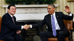 Quan hệ Việt - Mỹ không chỉ có nụ cười?