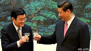 Việt Nam đắn đo giữa lựa chọn Trung Quốc và Hoa Kỳ