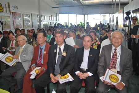 Hình ảnh trong nghị hội của Phong Trào Đoàn Kết Việt Nam Cộng Hòa (Việt Báo Online).