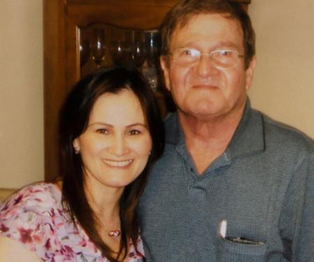 Ông Copeland và con gái Tiffany Nguyễn đoàn tụ. Ảnh: NY Times