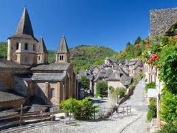 Cảnh 1 vùng quê nước Pháp. Ảnh mang tính minh họa