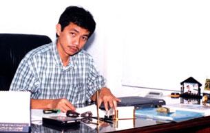 Trần Huỳnh Duy Thức trước khi bị bắt