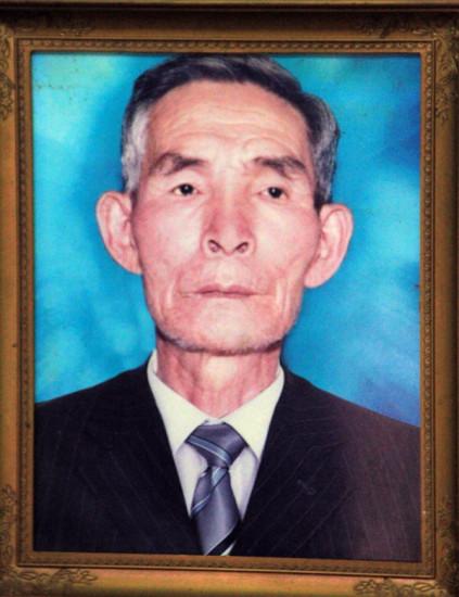 (Ông Nguyễn Huy Hoàng hai lần tham gia kháng chiến nhưng không giữ được giấy tờ nên không có chế độ)