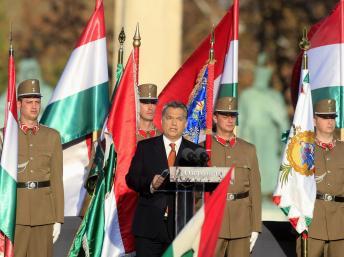 Thủ tướng Hungary Viktor Orban đọc diễn văn trong lễ kỷ niệm 57 năm cuộc Cách mạng dân chủ, Budapest, 23/10/2013 REUTERS