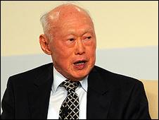Ông Lý Quang Diệu nhận định rằng 'lãnh đạo Việt Nam bị ý thức hệ cầm tù'