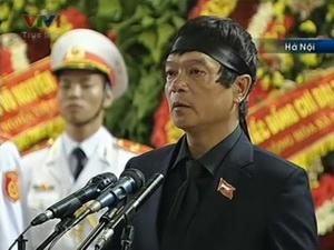 Con trai trưởng của Đại tướng Võ Nguyên Giáp, Võ Điện Biên đọc lời cảm ơn tại lễ truy điệu (Nguồn: VTV)