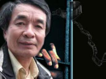 """Nhà văn Nguyễn Xuân Nghĩa, bị kết án tù 6 năm ngày 8/10/2009 tại Hải Phòng vì bị vu cho tội """"tuyên truyền chống nhà nước..."""" Ông được Văn Bút Độc Lập trung quốc trao """"Giải thưởng Can đảm viết như Lưu Hiểu Ba""""."""