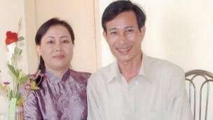 Blogger Điếu Cày cùng vợ, bà Dương Thị Tân