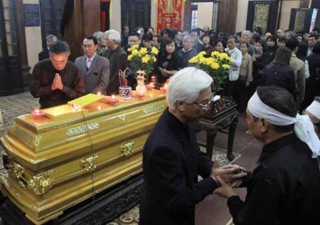 Đám tang ông Nguyễn Kiến Giang