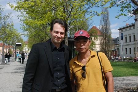 Blogger Người Buôn Gió và Thị trưởng thành phố Weimar.