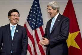 2 ngoại trưởng John Kerry và Phạm Bình Minh. Ảnh Infonet