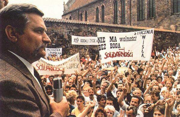 Lech Welsa - Lãnh đạo phong trào Công Đoàn Đoàn Kết Ba Lan. Ảnh internet