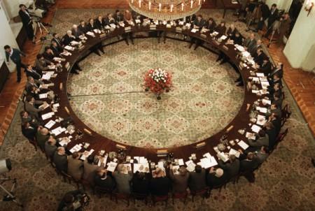 Bàn Tròn ở Ba Lan năm 1989 dẫn tới sự chuyển hóa dân chủ