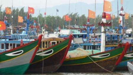 Lệnh cấm đánh bắt cả của TQ trong những năm qua gây khó khăn cho các tầu cá VN