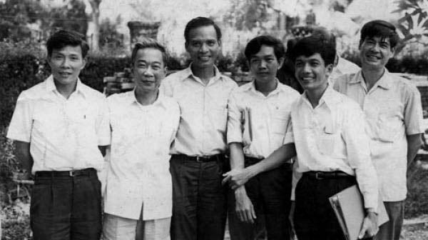 Lý Chánh Trung, Tố Hữu, Lê Quang Vịnh, Lê Văn Nuôi, Huỳnh Tấn Mẫm, Nguyễn Đình Thi. Ảnh: internet