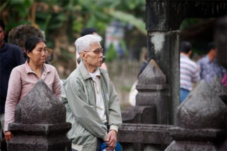 Ông Lý Chánh Trung và bà Lý Lan Phương, con ông Lý Chánh đức. Ảnh: tatrungtravinh.blogspot.com