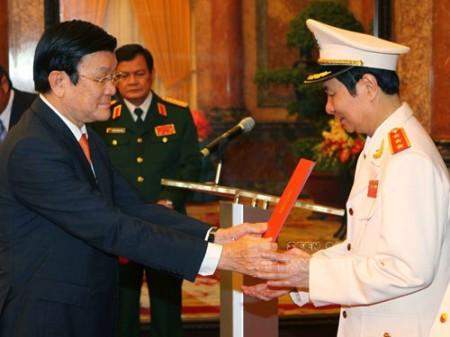 Pham Qúy Ngọ nhận hàm thượng tướng