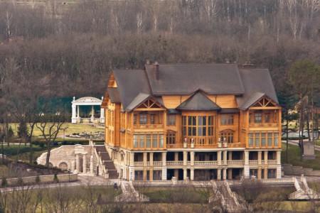 Dinh thự củ tổng thốngViktor Ianoukovitch được báo giới dánh giá chừng 30 triệu đô la