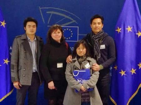 Nguyễn Anh Tuấn, Phạm Đoan Trang, Trịnh Hội tiếp xúc với đại diện LMDCTD châu Âu