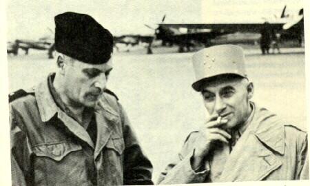 General Henri Navarre (bên phải)