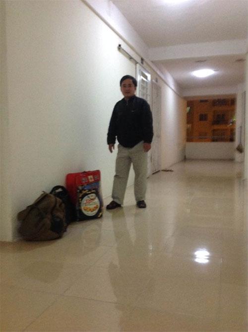 Đây là hình ảnh tôi phải chuyền nhà trong đêm 30 tết vì chủ nhà không dám cho tôi ở khi đăng ký tạm trú không được.