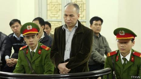 Phạm Viết Đào trong phiên sơ thẩm - TTXVN.