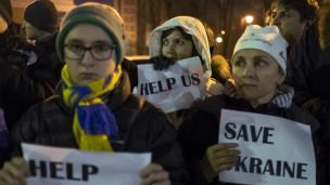 Những nhà hoạt động Ukraine kêu gọi thế giới giúp đỡ đất nước họ