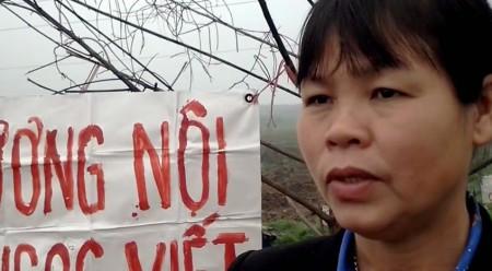 Chị Cấn Thị Thêu bị CA đánh ngất và bắt đi