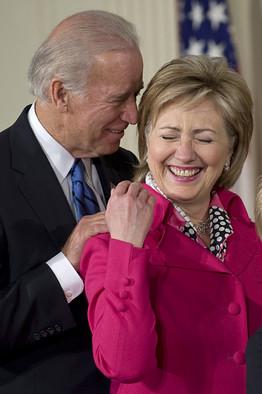 Hai ứng viên tương lai Biden và Hillary Clinton. Ảnh mphaus.us