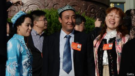 Đại biểu từ Tân Cương tham gia Quốc hội Trung Quốc
