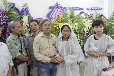 Nhà văn Phạm Đình Trọng và tang quyến