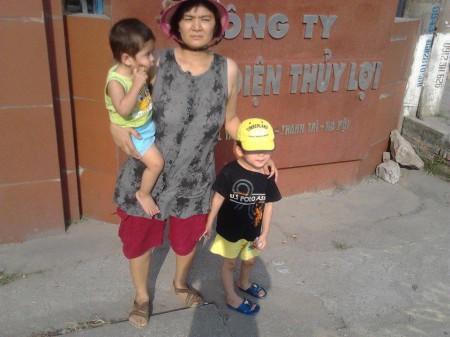 3 mẹ con từng nhiều lần bị đánh, cướp, đuổi ra khỏi khách sạn giữa đêm khuya