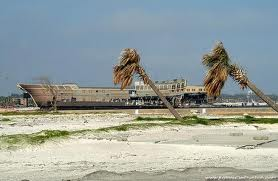 Bờ biển  Biloxi trong cơn bão Katrina