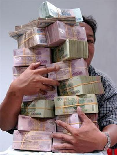 Người dân mắc bệnh bỏ quên tiền ở....nhà cán bộ? (Ảnh minh họa)