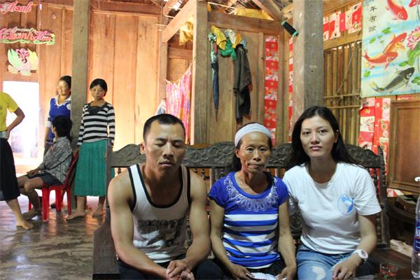 Gia đình ông Hoàng Văn Sang