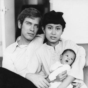 Bà Aung San Suu Kyi và chồng con
