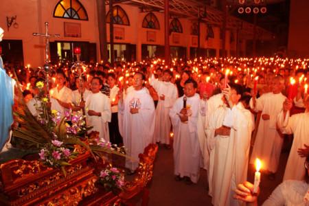 Giáo xứ Thái Hà cầu nguyện cho công lý và hòa bình. Ảnh JB NHV