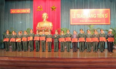 Học viện Chính trị tổ chức lễ trao bằng tiến sĩ cho 36 đồng chí